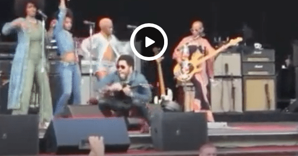 That Time when Lenny Kravitz's Penis Popped Out on Stage