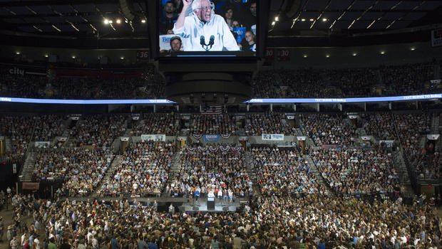 Bernie Sanders Draws 28,000 People in Portland
