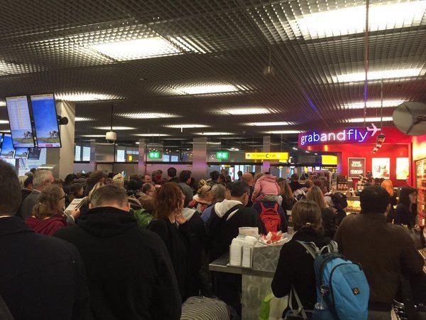Amsterdam Airport Schiphol Evacuated After 'Jihadi John' Online Threats