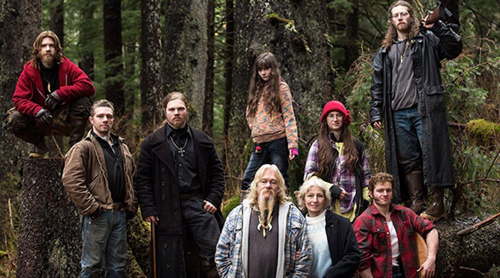 """Father and Son From """"Alaskan Bush People"""" Plead Guilty to Fraud and Theft"""