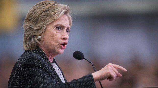 Hillary Clinton Continues Push for Gun Control After San Bernardino Shootings