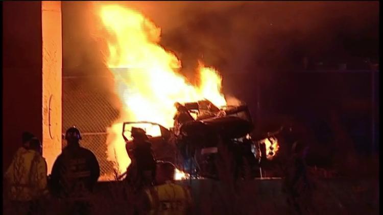 Vehicles Crash, Causing Fire That Killed 2 People in Dan Ryan Expressway, Chicago