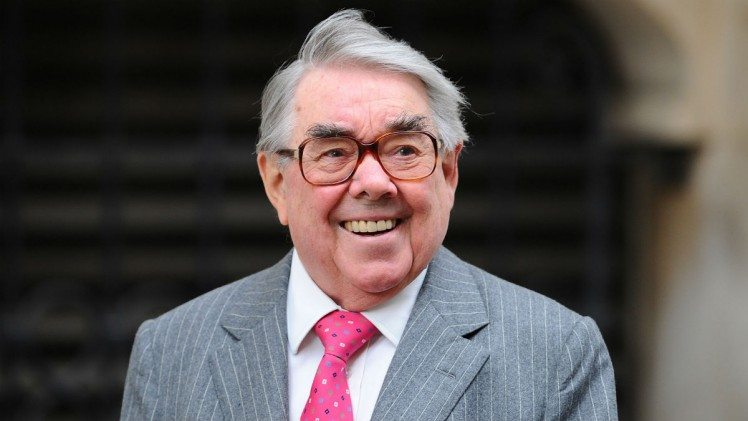 Actor, Comedian Ronnie Corbett Dies at Age 85, Publicist Says