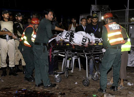 Many People Killed in Bomb Blast at a Park in Lahore, Pakistan