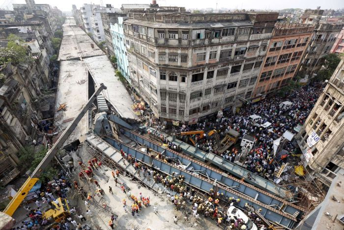 Indian Police Want Builders of Collapsed Bridge Charged With Murder