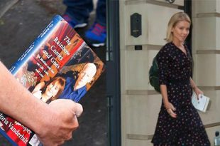 Kelly Ripa Carried Book by Rumored Michael Strahan Replacement Anderson Cooper Before Return to 'Live!'