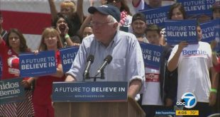 Thousands Pour Into Rally For Bernie Sanders in Santa Monica