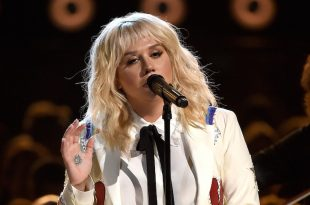 VIDEO Kesha Cover Bob Dylan's 'It Ain't Me Babe' at Billboard Music Awards
