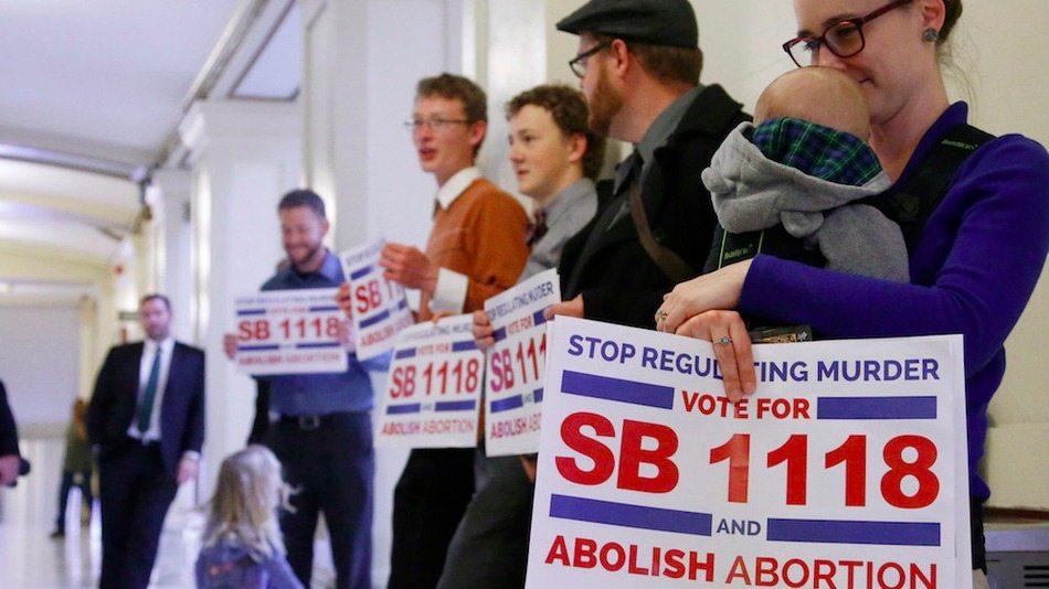 Oklahoma Legislature Passes Law Making Performing an Abortion a Felony