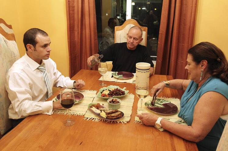 32 Percent Of Young Americans Live at Home With Parents, Study Shows