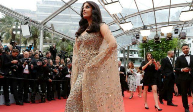 Aishwarya Rai Bachchan Slays Cannes Red Carpet in Traffic-Stopping Dress