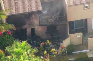 VIDEO Two Dead After Plane Crashes into Hawthorne Townhouse