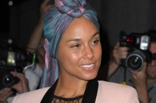 Alicia Keys Blasts Adam Levine For Makeup Shaming
